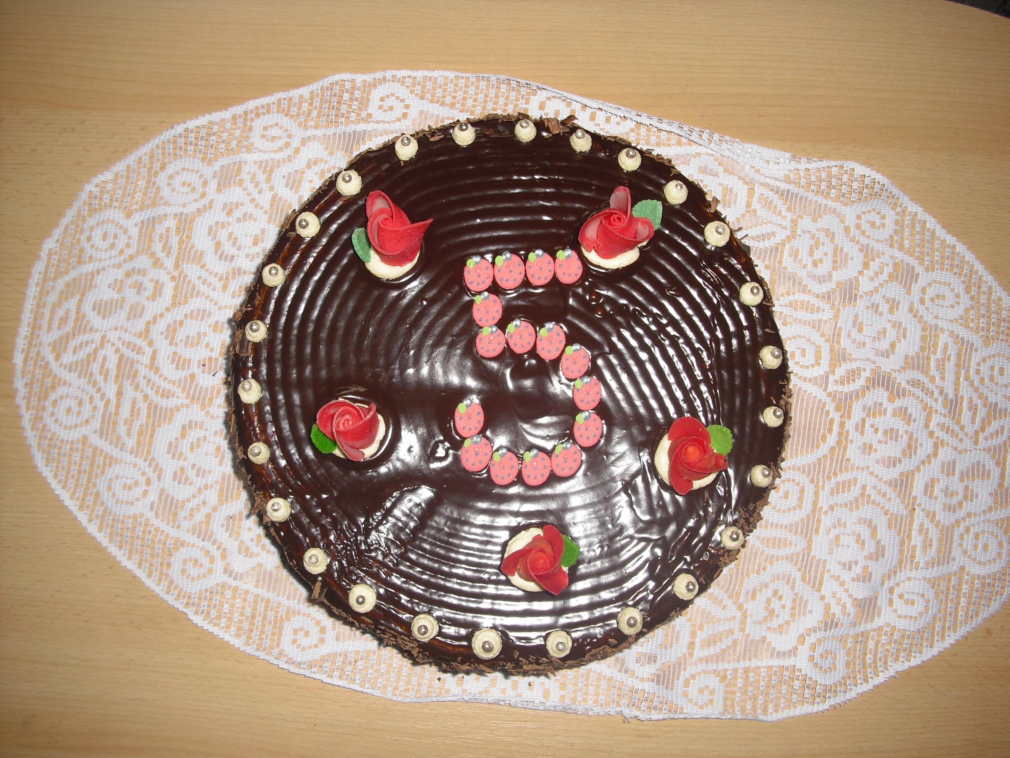 Dvojoříškový čokoládový dort