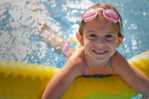 Učte své děti plavat od malička!